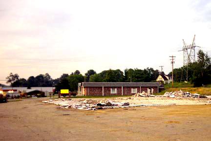 Photo Credit: Richard Kummerlowe — Remains of the Belle Vernon Howard Johnson's in August 1999