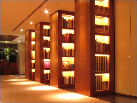 Photo Credit: David July — Library on 41F, Park Hyatt Tokyo, Shinjuku Park Tower, Shinjuku, Tokyo, Japan, 16 March 2008